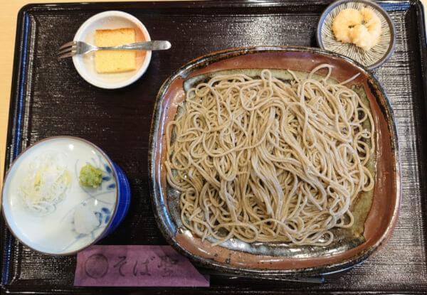 もりそば(4度目の訪問時に注文)、浜田でおすすめな蕎麦屋そば聖さんのもりそばの画像です。