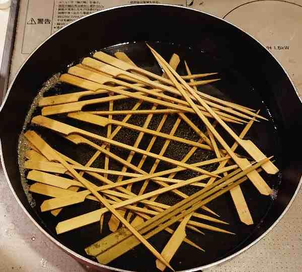 焼き鳥用竹串を茹でる