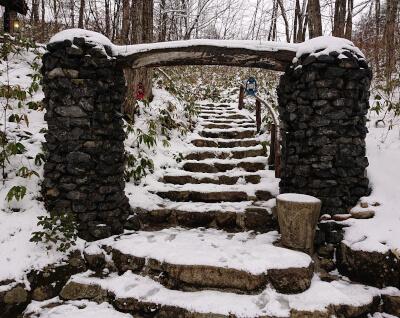 山荘HANAKI-入口の門